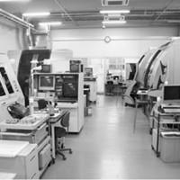 主力のピコ秒レーザー加工機と紫外域波長のエキシマレーザー加工機:㈱リプス・ワークス
