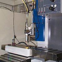 光ファイバー伝送型レーザー汎用加工装置①